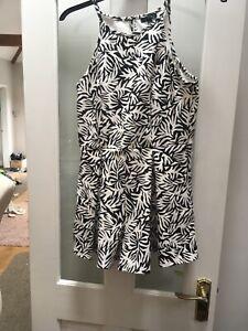 Topshop Culottes Playsuit size 12 Black White Tropical leaf Print Palm Mono