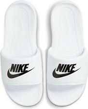 65321013-LE Nike Sportswear »VICTORI ONE SLIDE« Badesandale Gr. 42,5 NEU