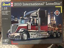 KIT REVELL-2010 INTERNATIONAL LONESTAR-1:25 SCALE-OLD SHOP STOCK-