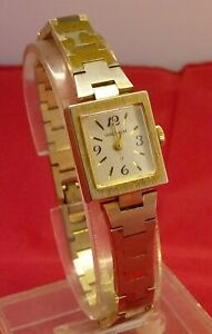 Vintage Waltham Ladies 17j Handwind 17x19mm Watch