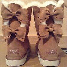 UGG Meilani Short Chestnut Suede/Sheepskin Bow Boots US 6 Women's 1012981