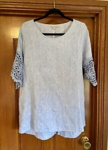 Hammock and Vine Womens Top - Lace Sleeve - Size 10