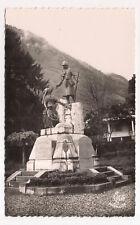 laruns ,vallée d'ossau , le monument aux morts