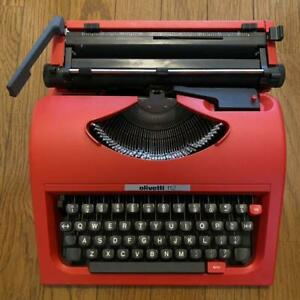 Olivetti Typewriter English 112 portable color red black general merchandise