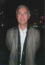 Roland Emmerich Autogramm signed 20x30 cm Bild