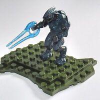 Halo Mega Bloks    Covenant Elite with Energy Sword & Display Base Mini Figure