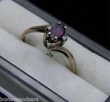10K GOLD RING 1.8g size 8 -- Beautiful 1/2ct Ruby w/ 2 diamonds pretty setting