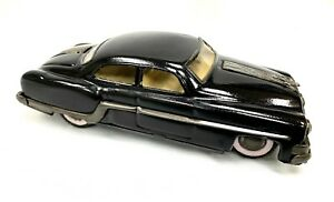 Voiture miniature Pontiac 1954 TIN FRICTION minister
