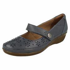 ebdfb5c28e9 Ladies Clarks Casual Soft Cushion Shoes Everlay Bai Blue Leather UK 6 E