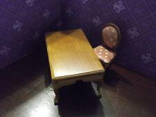 Schreibtisch oder Estisch braun mit Gepolsterten Stuhl