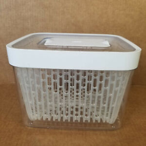 OXO Vegetable and Fruit Storage Container - Green Saver Food Keeper 8 x 7 x 6in