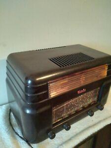 Vintage radio Kriesler 11 /7 1940s bakelite in good order for age unrestored!