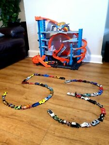 Hot Wheels City Ultimate Garage Shark Attack With 53 Cars Ideal Christmas Gift🎅