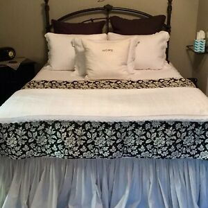 Display Home Bedding- Queen Size Black & White Floral Reversible Quilt