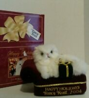 2011 FANCY FEAST CHRISTMAS CAT ORNAMENT IN GREAT CONDITION
