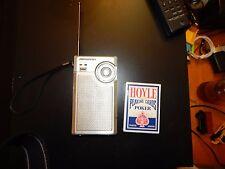 Totally awesome Soundesign #2145 am/fm vintage 9 volt transistor radio,battery!!
