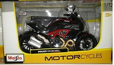 Ducati Diavel Carbon Motorcycle Die-cast 1:12 Maisto 5 inch Red Black 11023