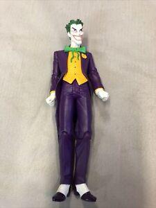 DC ESSENTIALS ? The Joker DC COLLECTIBLES ? Classics Universe  A2