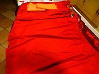 64cmhautx1,25  lot 4rideaux rouge orangés ,+bande s orange pour rallonger .....