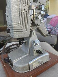 Vintage KEYSTONE REGAL K109 8MM MOVIE PROJECTOR W/CASE WORKS W/ LENS