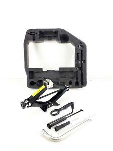 Audi A4 B8 2009-2012 Saloon Wheel Jack Tool Kit Set Ref 95