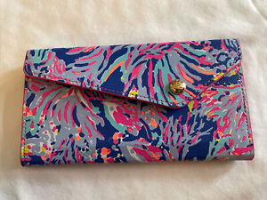 Lilly Pulitzer Eyeglass Sunglass Case Collapsible It's Always Sunny Somewhere!