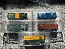 NIB Kadee RTR HO 5 Boxcars Limited Production Magnematic Couplers