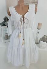 Vestiti da donna a manica corta bianca di mare
