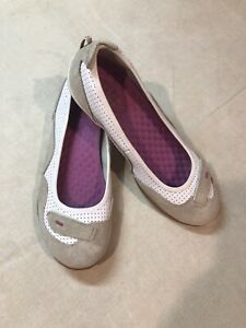 Clark's Privo Women's 8M White Tan Leather Slip On Flats Shoes Cushion