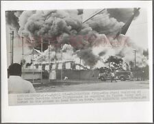 Unusual Vintage Wire Photo 1950s Mack Fire Truck Flaming Fairgrounds SC 716142