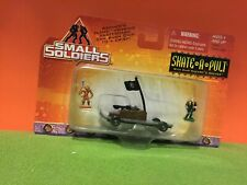 SMALL SOLDIERS - SKATE A PULT - 1998 DIECAST METAL VEHICLE + FIGURES MOC