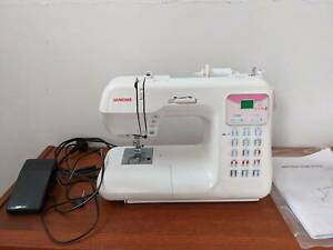 Janome computerised sewing machine- For quilting and clothing