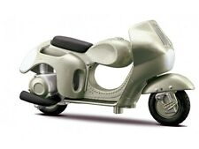Maisto Vespa 125 Et4 (1996) Die Cast Model Bike Scooter Scale 1 18
