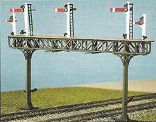 RATIO 478 00 SCALE Pratt Truss Gantry Kit does not include signals.