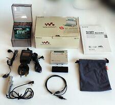 Sony MZ-R900 Recordable MiniDisc Walkman - Silver
