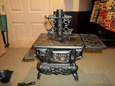 "Greycraft 5"" Salesman Sample Cast Iron Crescent Stove Kitchen Pots & Pans Toy"
