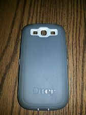 Grey and white otterbox defender for samsung galaxy S3