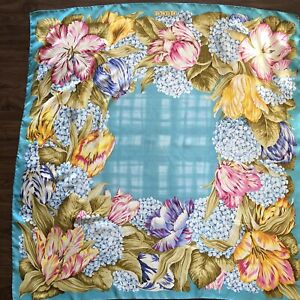 """Gucci  Floral Silk Scarf 34"""" Square hydrangeas and Lilly's pink blue & gold"""