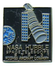 NASA PIN '90 vtg HUBBLE SPACE TELESCOPE Hughes Aircraft STS-31 Shuttle Discovery