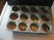 ANTIQUE  METAL 12 HOLE BROWNIE MUFFIN OVEN PAN COOKING TIN PRIMITIVE MINI