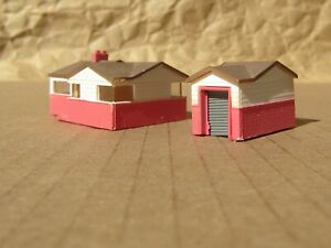 RETIRED ~ MODERN HOUSE with GARAGE by BACHMANN ~ Mayhayred Trains N Scale Lot