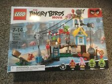 New LEGO The Angry Burds Movie Pig City Teardown 75824