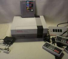 NINTENDO NES Konsole + 3in1 Spiel + 3 Controller + Controller Adapter