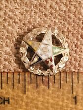VINTAGE 14KT YELLOW GOLD EASTERN STAR PIN, WREATH DESIGN W/ ENAMEL COLORED STAR