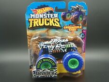 HOT WHEELS MONSTER TRUCKS INVADER TANK CAR WITH CRUSHABLE CAR 2020 1:64 5/5
