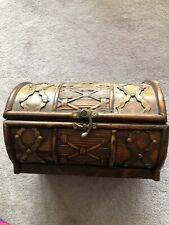 VINTAGE 1960'S wicker WOOD chest Brass accents 10X7x7 Storage Gently Used