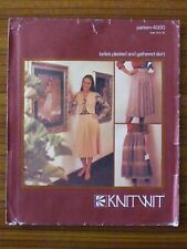KNITWIT PATTERN - 4000 LADIES PLEATED & GATHERED SKIRT 6 - 22 UNCUT