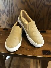 Womens Soda Slip On Shoes Sneakers Beige Size 8.5