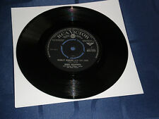 "HARRY BELAFONTE - SCARLET RIBBONS - NEAR MINT 1962 RCA VICTOR LABEL 7"" SINGLE"