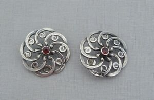 ANTIQUE SOLID SILVER & GARNET PAIR OF BUTTONS GOLDSMITHS & SILVERSMITHS CO 1907